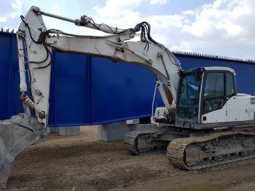 Excavator pe șenile Volvo EC 180 CL, an 2010