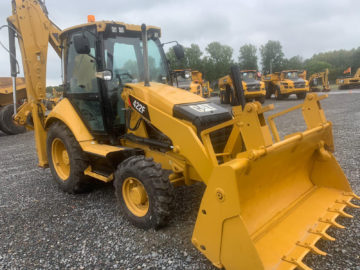 Buldoexcavator Caterpillar CAT 422 F an 2015