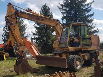 Excavator pe roți Case Poclain 688 B