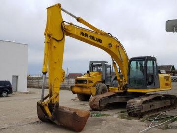 Excavator pe șenile New Holland Kobelco E215 B