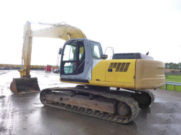 Excavator pe senile New Holland E265