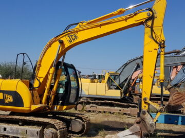 Excavator pe șenile JCB JS 130