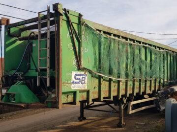 Semiremorcă compactoare de 85 mc