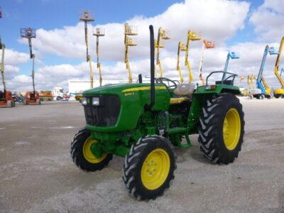 Tractor John Deere 5050D Nou