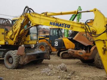 Excavator pe roți Komatsu PW 200 – 7k